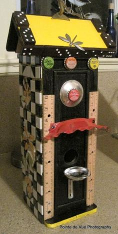 Recycled items to make a bird house