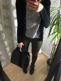 Gray Shirt Outfit, Black Shirt Outfits, Khaki Pants Outfit, Sporty Outfits, Grey Shirt, Work Outfits, Olive Green Pants Outfit, Green Khaki Pants, Olive Outfits