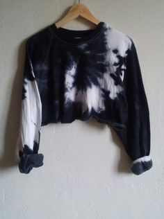 Crop Top Sweater Black Tie-Dye Snake, grunge, indie, hipster, goth