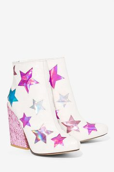 This is the unicorn of shoes, hands down.