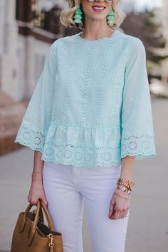 Mint for Spring - The Cutest Eyelet Top! - Straight A Style : mint tassel earrings with mint peplum top I love mint for spring! It feels so fresh and happy especially when paired with white. This outfit is perfect for so many occasions. Cotton Tops For Jeans, Blouse Styles, Blouse Designs, Great Gatsby Outfits, Long Coat Outfit, Fancy Tops, Vestidos Vintage, Casual Tops, Look Fashion