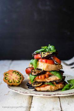 Beefsteak Tomaten und Auberginen