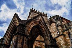 Padrao_do_Salado_e_Igreja_de_N._S._da_Oliveira, Guimaraes.