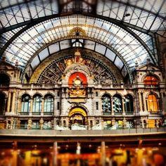 Train Station in Antwerp by sybil