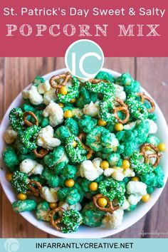 Patrick's Day Popcorn Mix St. Patrick's Day Sweet & Salty Popcorn Mix. Makes a great snack and can be Holiday Recipes, Great Recipes, Snack Recipes, Snacks, Yummy Appetizers, Appetizers For Party, Popcorn Mix, Fourth Of July Food, Corn Beef And Cabbage