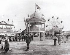 Galveston's Electric Park, 1906, a predecessor of the Pleasure Pier. Galveston County Historical Museum.