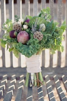 a leafy and healthy bouquet! VIA SAM~! Chaz may love this... and I'm sure we can totally make this!