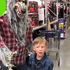 Funny Prank Videos, Cute Funny Baby Videos, Crazy Funny Videos, Cute Funny Babies, Funny Videos For Kids, Funny Cute, Really Funny Memes, Stupid Funny Memes, Very Funny Gif