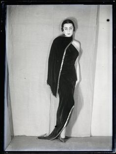 "helloagauniverse:  "" Nimet Eloui Bey vers 1930 photographed by Man Ray  """