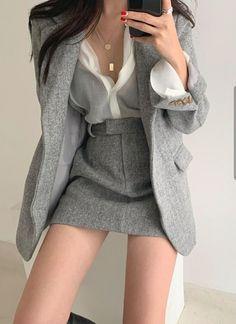 Korean Girl Fashion, Ulzzang Fashion, Kpop Fashion Outfits, Edgy Outfits, Korean Outfits, Mode Outfits, Cute Casual Outfits, Cute Fashion, Pretty Outfits