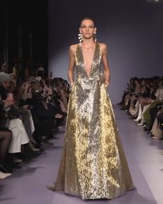 Georges Hobeika Look Spring Summer 2020 Haute Couture Collection. - Golden Silver Backless A-Lain Evening Maxi Dress / Evening Gown with Deep V-Neck Cut, Open Back and - Haute Couture Dresses, Couture Fashion, Paris Fashion, Runway Fashion, Georges Hobeika, African Traditional Dresses, Most Beautiful Dresses, Lolita Dress, Couture Collection