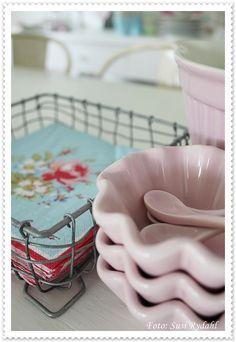 Ib Laursen cupcake bowls, so cute