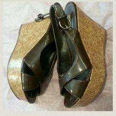 Steven  Madden  platform  heels Dark  brown  platform  heels  size  6.5 Steve Madden Shoes Heels