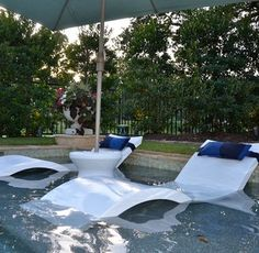 pool landscaping Ledge Lounger In-Pool Chaise Table Green My Pool, Swimming Pools Backyard, Swimming Pool Designs, Pool Fun, Swimming Pool Accessories, Lap Pools, Indoor Pools, Outdoor Lounge, Outdoor Living