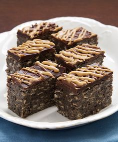 Vunderbars are an amazingly delicious treat filled with chocolate, peanut butter, and so much more. And they're no-bake, too! - Bake or Break