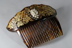 Victorian comb in faux tortoiseshell with faux pearls and gilding