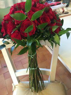 "Bouquet work in progress ""happy s.valintine""❤️"