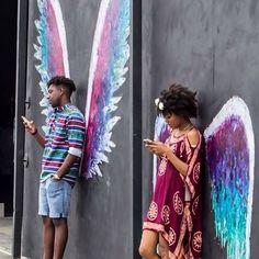 15 New ideas street art graffiti love banksy Amazing Street Art, Wow Art, Jolie Photo, Street Art Graffiti, Urban Graffiti, Street Wall Art, Urban Street Art, Chalk Art, Pics Art