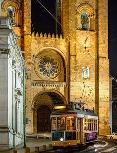 Sé de Lisboa, #Lisbon, #Portugal (by Edi Bähler)