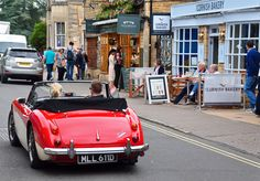 https://flic.kr/p/21FRvWo   Driving through the Cotswolds
