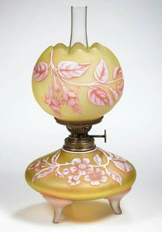 Cameo Glass Gone with the Wind Lamp Victorian Lighting, Victorian Lamps, Antique Lighting, Antique Oil Lamps, Vintage Lamps, Cool Lamps, Diy Lamps, Table Lamps, Hurricane Lamps