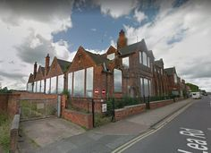 Gainsborough's historic Lea Road School opened in 1906 and became a business centre in the early 1990s before eventually falling into disuse.