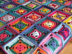 Trésor coloré Jazzy Crochet Granny Square par Thesunroomuk sur Etsy, £75.00
