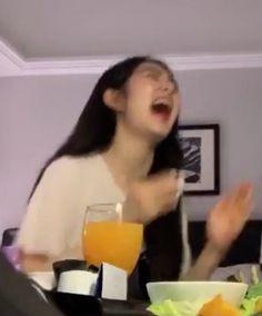 Read ~Galeria de bakugou katsuki ~ from the story ♡ Blackpink Memes, Funny Kpop Memes, Meme Faces, Funny Faces, Blackpink Funny, Ulzzang Korean Girl, Red Velvet Irene, Aesthetic Girl, Korean Aesthetic