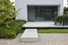 Moderne tuin, ontwerp en aanleg door PUUR