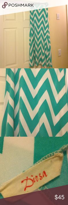 Diosa Teal and White Chevron Skirt Diosa Teal and White Chevron Skirt. Super cute and in perfect condition! Perfect with white, black, Teal, or even hot pink! Size Small! Paid $50 at a boutique in town, so I would love to get close to that back! :) diosa Skirts Maxi