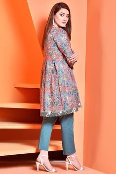 Lawn Collection: Kayseria Fabric Summer 2018 FABRIC 2512 (1PC) SKU C 2512 Stylish Dresses For Girls, Stylish Dress Designs, Dress Clothes For Women, Designs For Dresses, Simple Dresses, Sexy Dresses, Pakistani Party Wear Dresses, Simple Pakistani Dresses, Pakistani Fashion Casual