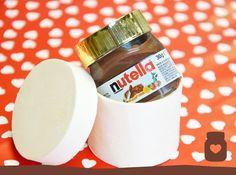 Pssst, heren... Nutella is a girl's best friend!