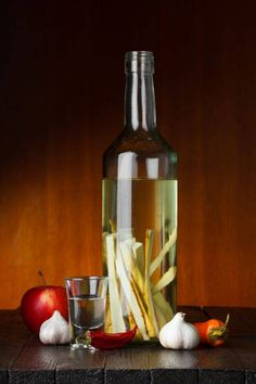 In the Spirit: Infused Vodkas Vodka Bar, Infused Vodka, My Favorite Food, Favorite Recipes, Alcoholic Drinks, Beverages, Liquor, Natural Remedies, Smoothies