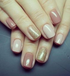 Try some of these designs and give your nails a quick makeover, gallery of unique nail art designs for any season. The best images and creative ideas for your nails. Gold Nails, Glitter Nails, Gold Glitter, Glitter Art, Hair And Nails, My Nails, Gelish Nails, Matte Nails, Gold Nail Designs