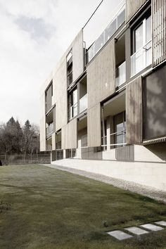 Apartment block in Burgas / I/O architects