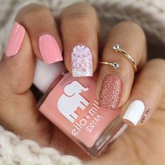 CUTE NAIL ART The perfect nails to complete your chiq looks! Related Fab nail art designs for all of the manicure inspiration you need Short nails. Light Pink Nails, Pink Nail Art, Cute Nail Art, Cute Nails, Fancy Nails, Light Colored Nails, Classy Nails, Stylish Nails, Trendy Nails