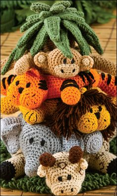 Jungle crochet stacking critters ... what a fun idea!
