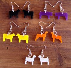 Stock Show Animal Earrings - Set of One Pair of Each-Steer, Heifer, Goat, Sheep, Pig Want this sooooo bad! Livestock Judging, Showing Livestock, Show Cows, Show Steers, Cute Jewelry, Jewlery, Show Cattle, Country Girls, Country Outfits