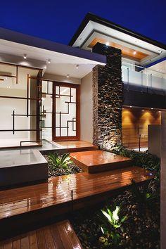 worldfam0us:  Riverfront House |©|WF