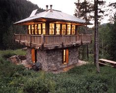 Small house, big warmth, wide woods