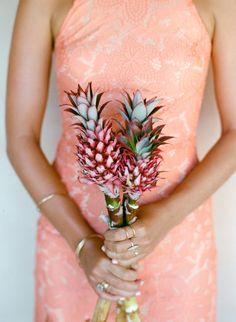 Un bouquet de fleurs en ananas, insolite et original ! #B4wedding #wedding #mariage #ananas #insolite