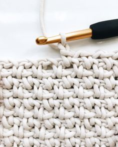 Crochet Blanket (linen, moss, granite stitch) – Crochet Free Pattern - Agli Crochet Blanket (linen, moss, granite stitch) Super easy crochet blanket with written + video instru Crochet Stitches Patterns, Knitting Patterns, Stitch Patterns, Free Knitting, Crochet Blanket Stitches, Knitting And Crocheting, Free Crochet Blanket Patterns Easy, Free Easy Crochet Patterns, Crotchet Blanket