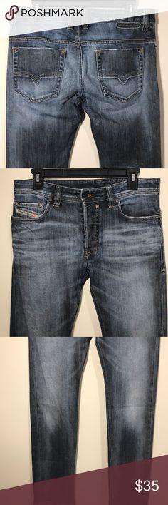 "MENS DIESEL JEANS 30X30 SAFADO GREAT CONDITION BROKEN IN DIESEL JEANS, DENIM BLUE WASH. STAFADO STYLE. 303X30. LITLLE WORN ON BACK HEMS. GREAT DENIM BLUE WASH. RISE 10"" 207-D Diesel Jeans Straight"