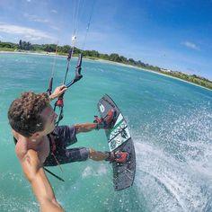 The wind is back! Looks like it might be a full weekend of shredding! #GoPro #Hero5 #TonaLife #OzoneKites #Kiteboarding