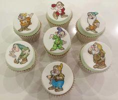 Seven dwarfs cupcakes by TiersandTiaras