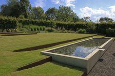 Gärten für Designfreunde Garden Design Plans, Home Garden Design, Modern Garden Design, Contemporary Garden, Landscape Design, Swimming Pools Backyard, Swimming Pool Designs, Modern Landscaping, Pool Landscaping