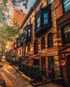 New york city new york townhouse, new york photography, ny Walt Disney World, Ponte Golden Gate, Places To Travel, Places To Go, Grand Canyon, Nova Orleans, New York Art, City That Never Sleeps, Ny Ny
