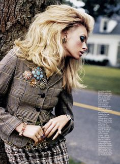 What an awesome Fall tweed mix. Love the brooches!