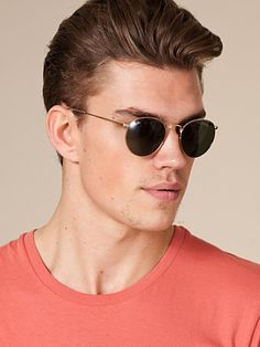573f0d2cd41b2 Perfect Gift for Boyfriend or Husband  Ray-Ban Polarized Aviator Sunglasses  is the all-time CLASSIC behaved by so many celebrities like Tom Cruise and  ...