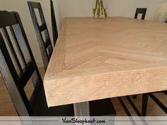 Rustiek New Oak visgraat tafelblad met verstekrand. #oak #eiken #visgraat #interieur #interior #wonen #woontrends #interieurinspiratie #wooninspiratie #home